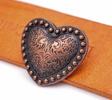 "10 PCS WESTERN HEADSTALL HORSE TACK LOVE หัวใจทองแดงโบราณ BERRY อาน LEATHERCRAFT CONCHOS 1-1/8 ""SCREWBACK(China)"