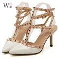 2017 Nuevos zapatos chaussure femme zapatos mujer de san valentín 3 correas mujeres Remaches bombas de los tacones altos zapatos de las señoras