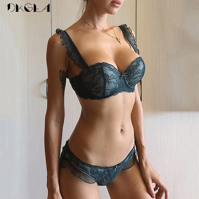 New Top Sexy Bra Panties Sets Lace Embroidery Lingerie Set Green Brassiere Deep V Push up Bra Women Underwear Set Cotton 3/4 Cup lingerie top