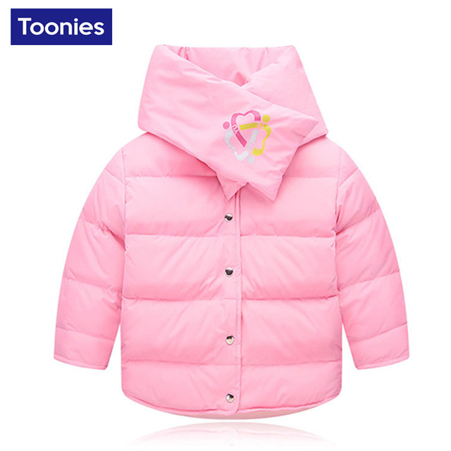 Nueva llegada 2-7 años de edad los niños de cuello redondo pequeño bebé blanco corto abajo chaqueta de los niños capa de la manera con bufanda