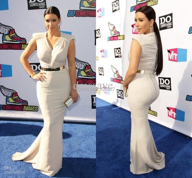 Tapete vermelho Vestido Custom Made Kim Kardashian Moda Branca de Cetim Plissado Longo Sereia Sexy Celebridade Vestido de Noite Vestido de Festa