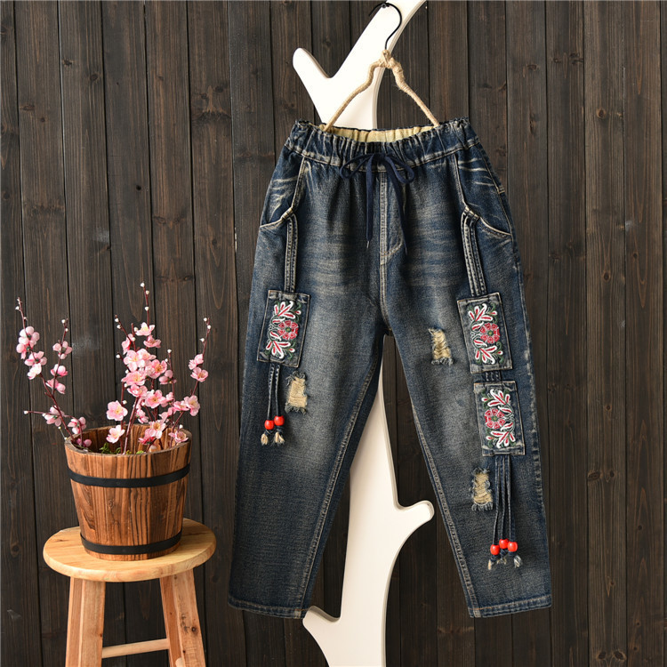 Autumn Women Vintage Floral Embroidery Ripped Holes Denim Jeans Pockets Ankle-length Pants Ladies Casual Loose Trousers 2017 spring new women sweet floral embroidery pastoralism denim jeans pockets ankle length pants ladies casual trouse top118
