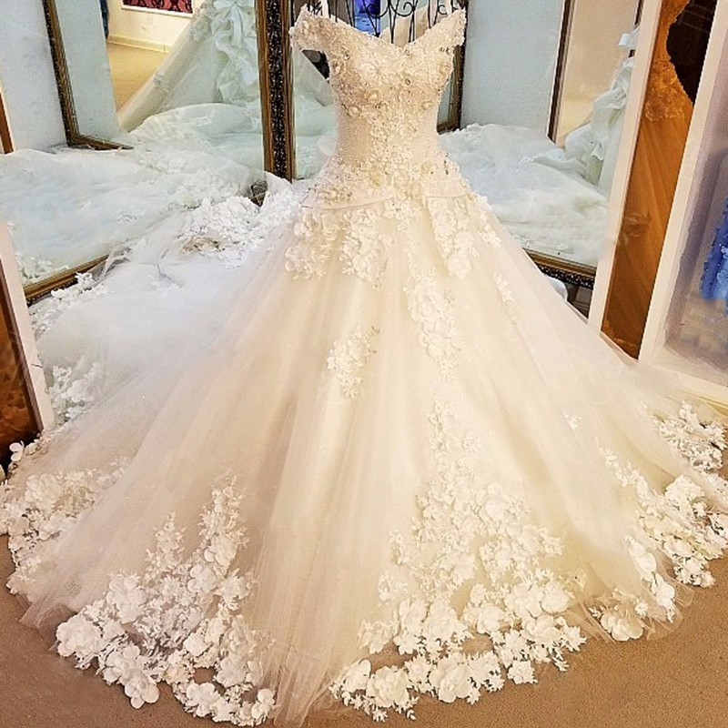 Long Tail V-neck Vintage Off Shoulder 3D Flower Full Beaded Royal Princess Luxury Wedding Dresses