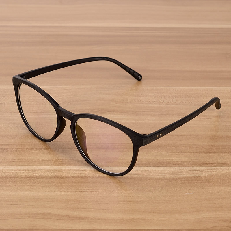 Fake eyeglasses frames are just as vulnerable as their authentic pair counterparts to being sat on, dropped, or otherwise damaged. Of course, you want to look good, but fashions in eyewear, like clothing fashions, go through a cycle.