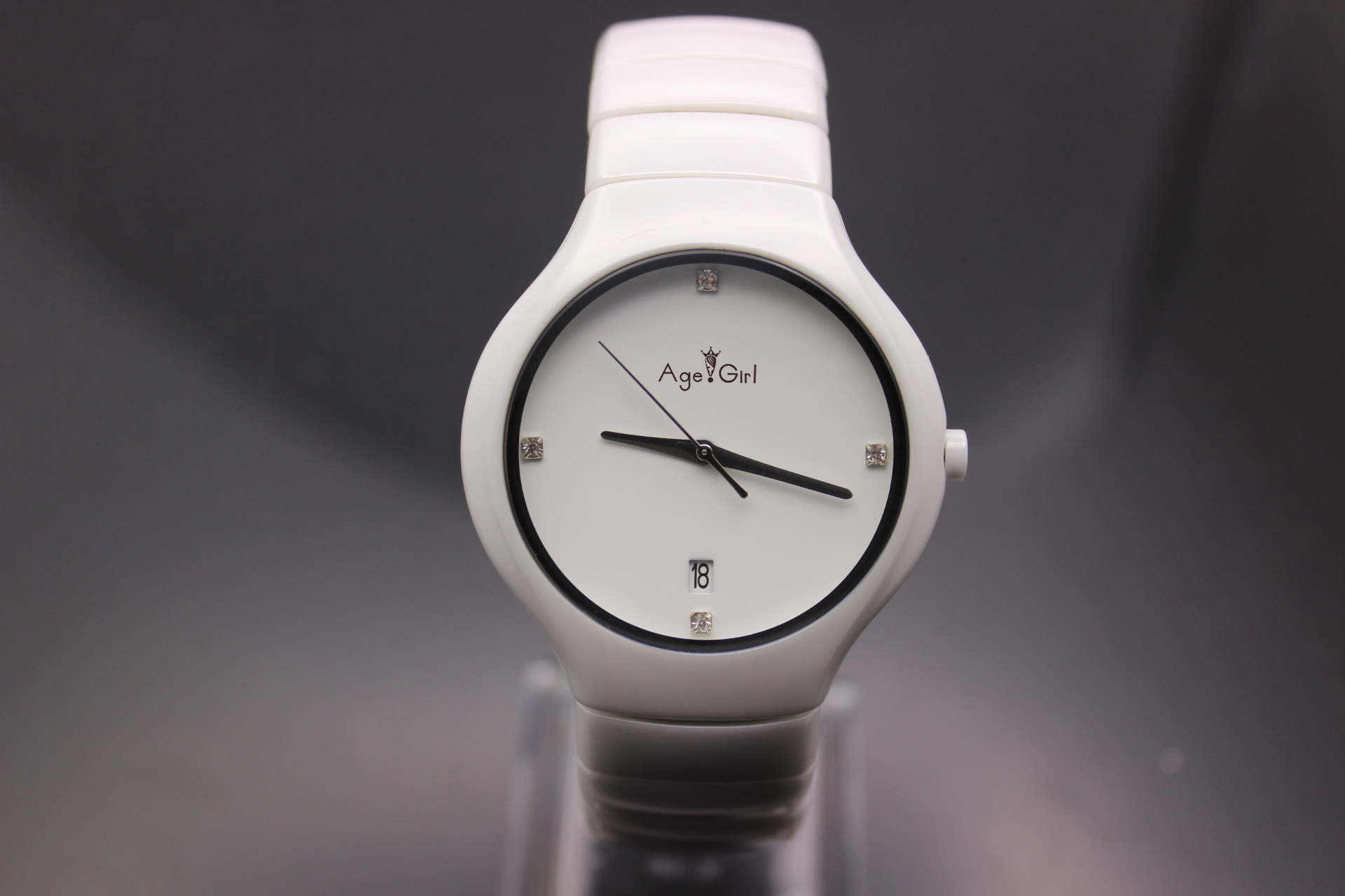 NEW White ceramic watch high-grade fashion lovers watches businessman Wristwatches round watch black Ceramics quartzNEW White ceramic watch high-grade fashion lovers watches businessman Wristwatches round watch black Ceramics quartz