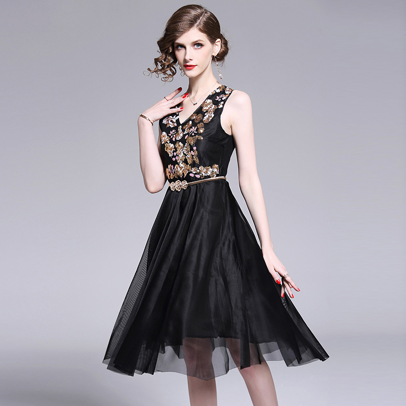 ARiby 2019 Summer New Women 39 s Dress Temperament Ball Gown Voile Sashes Patchwork Floral V Neck Sleeveless Knee Length Dress in Dresses from Women 39 s Clothing