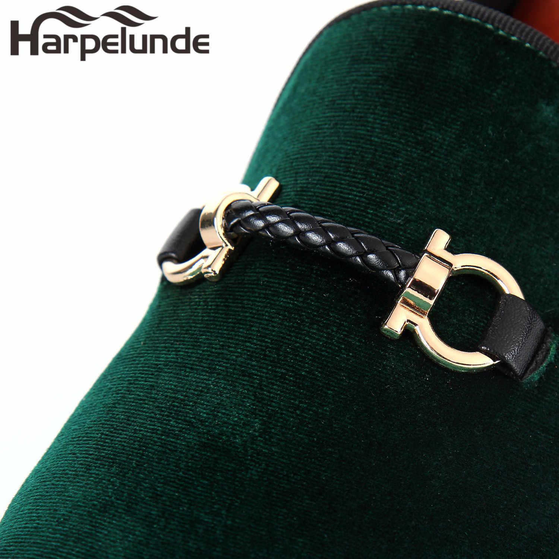 Harpelunde หัวเข็มขัดผู้ชายรองเท้ากำมะหยี่สีดำ Loafers แฟชั่นรองเท้าขนาด 6-14