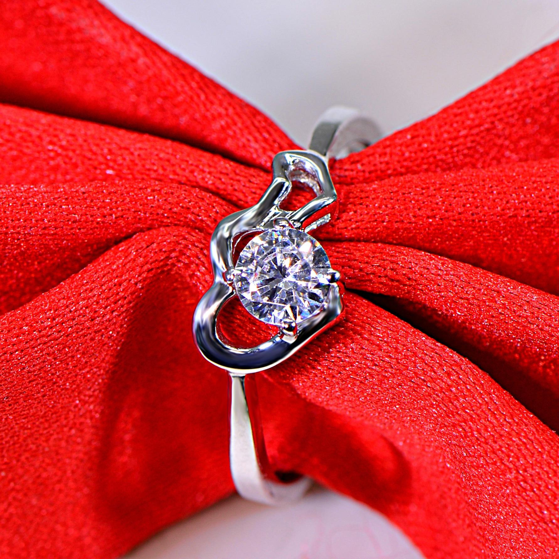 0.3 carat romantic silver micro set high carbon man made diamond heart ring for women (JSA)