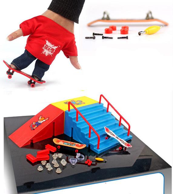Diapasón finger skate + pista originalidad intelectual juguetes mini Tech Patinetas Rampa Doble Cubierta sitio Figuras de Acción