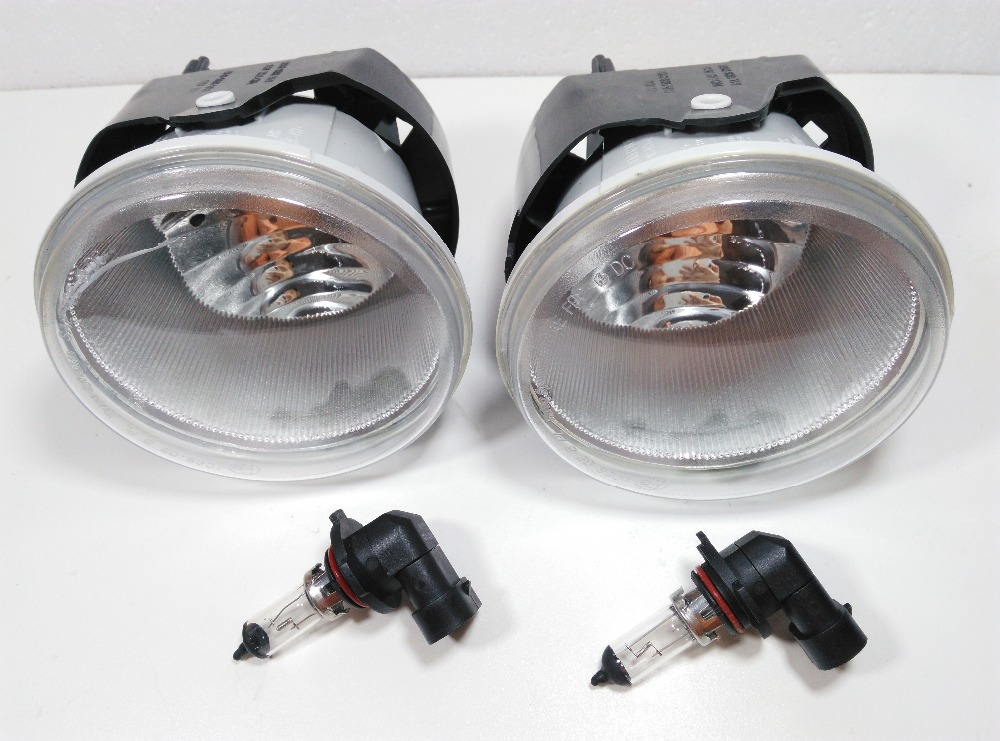 A Pair former fog lamp for Chrysler 300c (5.7L) 2005-2009 Grand Cherokee Commander front bumper fog lights for opel astra h gtc 2005 15 h11 wiring harness sockets wire connector switch 2 fog lights drl front bumper 5d lens led lamp