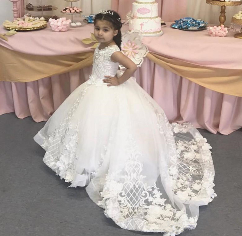 Well-Designed Ball Gowns For Elegant Princess with 3D Floral Appliques Sweep Train Custom Made   Flower     Girl     Dress   For Wedding