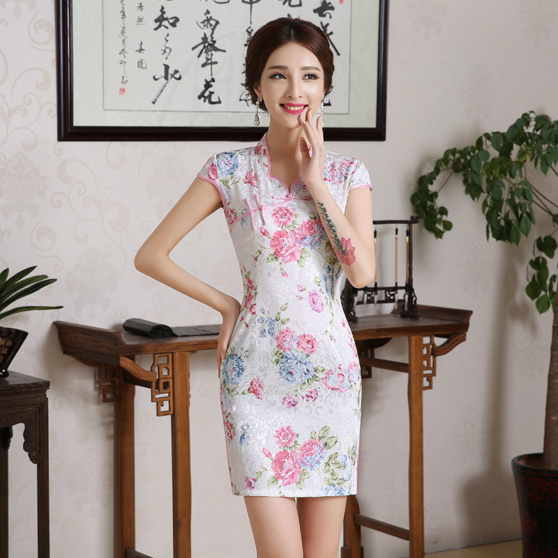 Spring White Lotus Chinese Cheongsam Vintage Traditional Evening Dress Low Collar Qipao Elegant Dresses