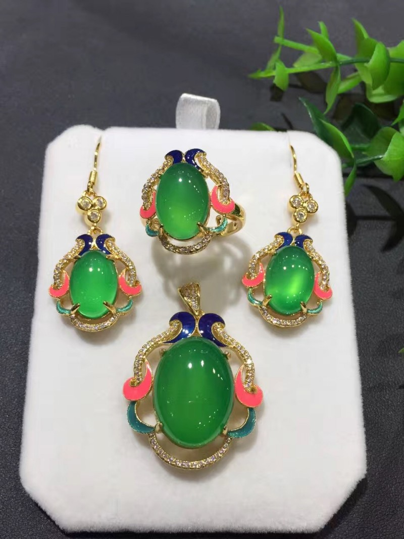 Pendants Jewelry & Accessories Creative Natural Ice White Jade Buddha Pendant Authentic Burma Jade A Cargo Of Ice Waxy Female Maitreya Jade Buddha Pendant Configuration Punctual Timing