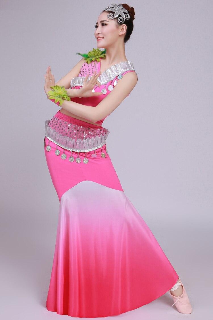 Excelente Vestido De Plumas De Pavo Real Del Baile Inspiración ...