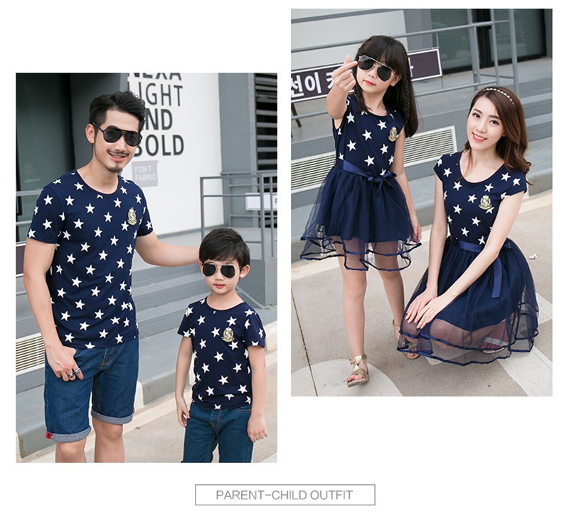 HTB1D44EafjsK1Rjy1Xaq6zispXaB - Summer Cotton Family Matching Outfits Mom And Daughter Mesh Dress Dad Son Blue White Stars Short T-shirt Children Clothing