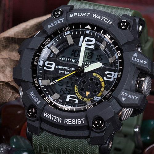 Reloj deportivo / militar electrónico y digital