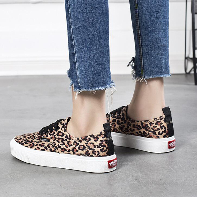 9476d5fb0766 Breathable Spring Autumn Women Platform Sneakers Leopard Print Women  Vulcanize Shoes Lace Up Students Flat With Canvas Shoes