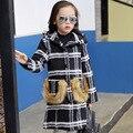 Niños Niñas Capa de Foso del Nuevo Diseño 2016 Algodón A Cuadros de Moda de Lana Con Capucha Para Niños Ropa Casual de Piel de Bolsillo Bebé Chaqueta Outwear