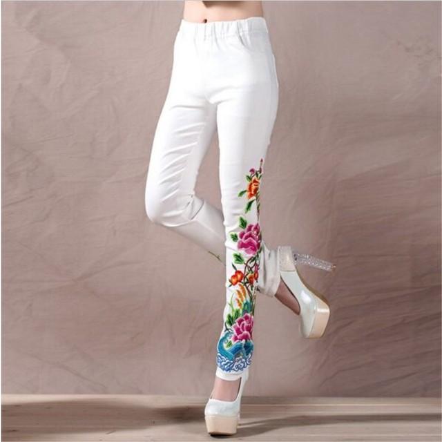 Blanco Y negro Pantalones Del Otoño Del Resorte Mujeres de Gran Tamaño Más XXXL Casual Bordado Flores Skinny Cintura Elástica Pantalón Largo