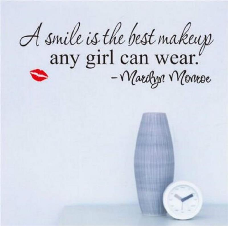A smile is the best makeup any girl can wear Wall Stickers home decoration Marilyn Monroe inspirational quote home decor vinyl