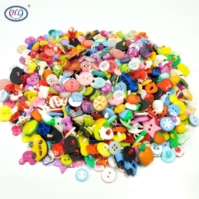 Verdadeiro Venda HL 50 pcs/100 pcs Mix Forma Muitas Cores Diy Scrapbooking Botões de Plástico para Crianças Dos Desenhos Animados Vestuário noções de costura