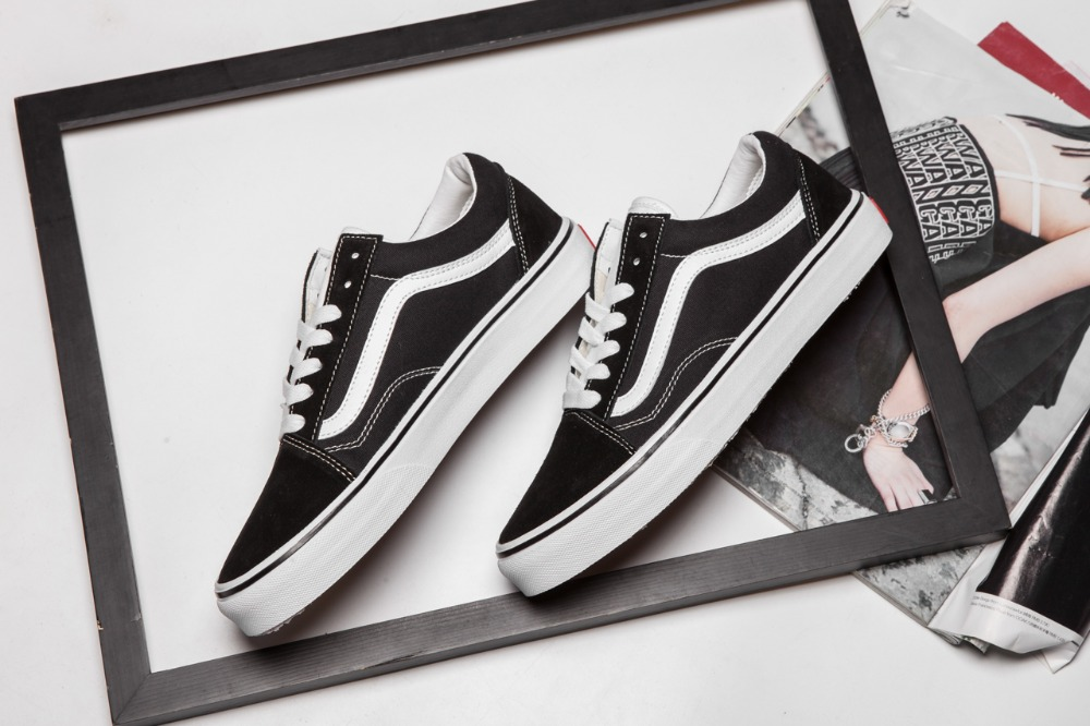 Free Shipping VANS classic black and white OLD SKOOL men scanvas shoes 762132c71