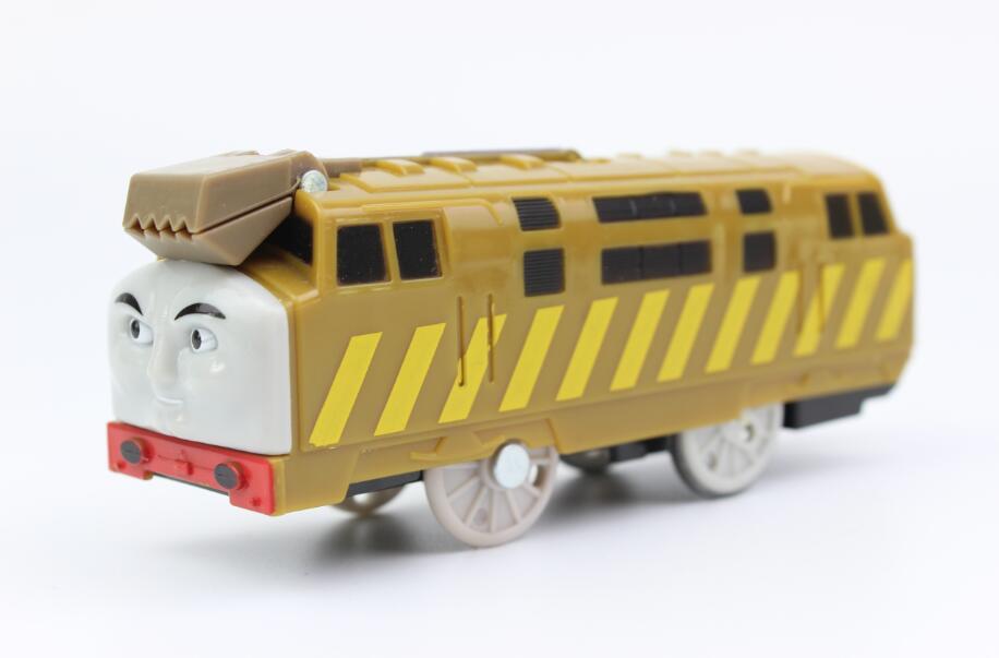 Diesel 10 trens elétricos conjunto de trem motorizado compatível com brio train track railway motor locomotiva presente para crianças