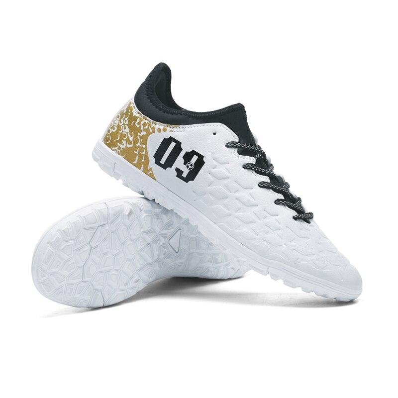 c757a19cf Ibuller Männer Fußball Schuhe Indoor Futsal Schuhe Mit Socken  Professionelle Trainer TF Fußball Boot Zapatillas Futbol