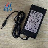 Livraison gratuite! 100-240 V 12.6 V 5A pour batterie au lithium chargeur, 12.6 V pour Adaptateur secteur Chargeur Double IC 12.6V5A