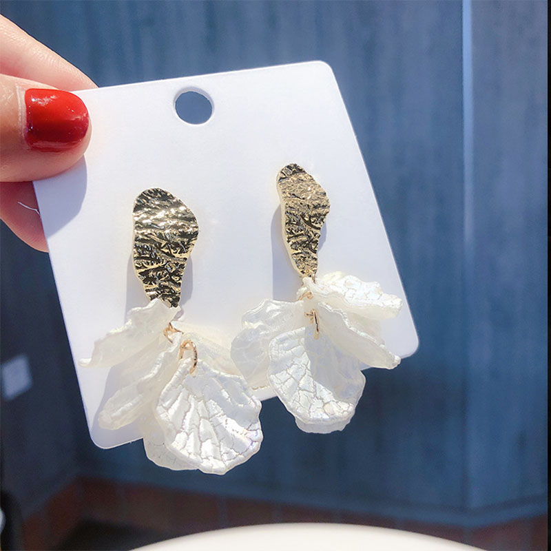 <font><b>2019</b></font> New <font><b>Statement</b></font> White Shell Acrylic Petal <font><b>Flower</b></font> Drop <font><b>Earrings</b></font> <font><b>For</b></font> <font><b>Women</b></font> Vintage Jewelry Korea Dangle Pendientes Brincos image