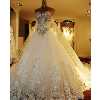 Luxury Crystal Wedding Gowns Lace Appliqued Cathedral Train Bridal Gowns 2017 Sweetheart Beaded Garden Vestido de noiva Custom