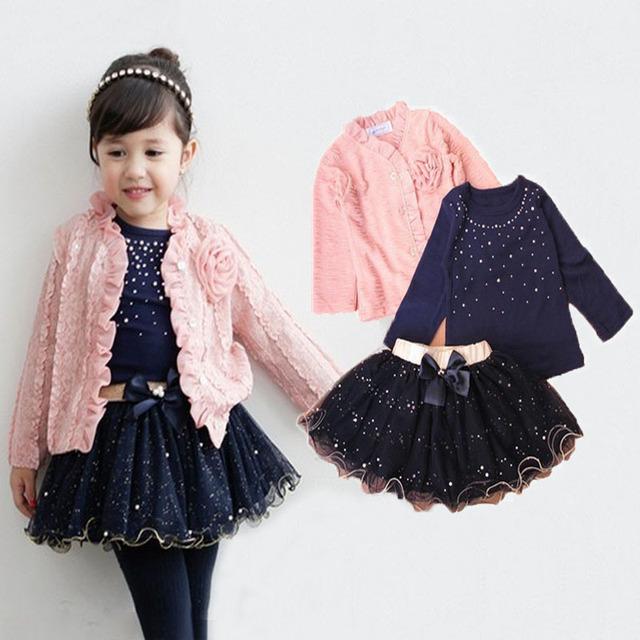 Nova primavera 2016 conjuntos de roupas meninas do bebê 3 peças terno meninas flor casaco + camisa azul T + saia tutu meninas roupas