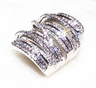 Meandering Lines In Long Cylindrical Design With 218 Grain Shining AAA Zirconia Stone Big Rings For Women Fashion Jewerly 2017