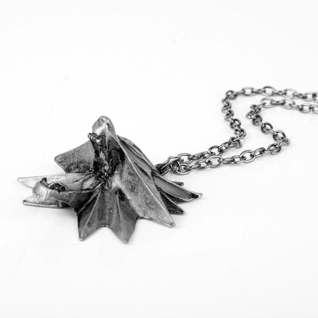 Game Of Thrones Stark Twilight Werewolf Glow in The Dark Luminous Pendant Necklace
