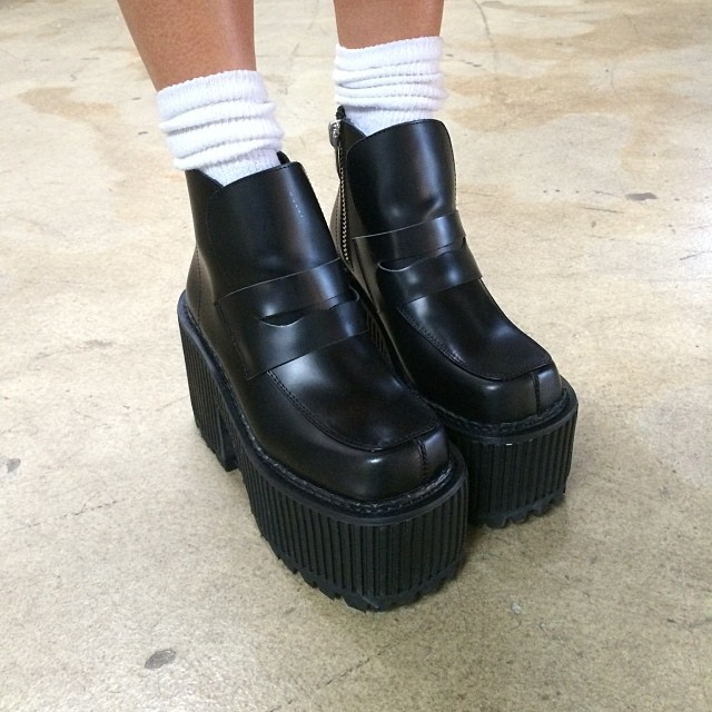 18dbd03e9e24 Unif high black vintage leather high boots zipper bars platform high-heeled  shoes