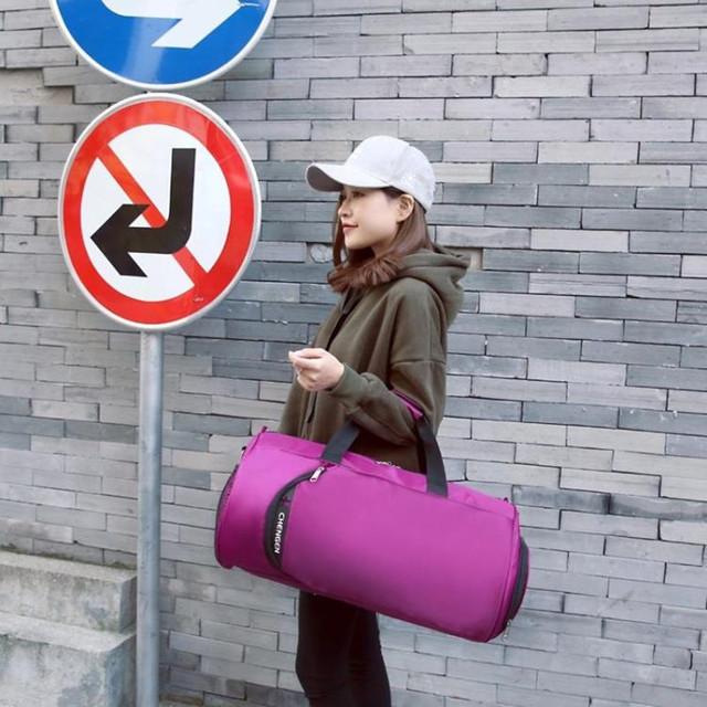 2018 New Waterproof Gym Bag Fitness Training Sports Bag Portable Shoulder Travel Bag Independent Shoes Storage sac de sport