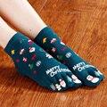 Novo Presente de Natal Meia Meias curtas das Mulheres Moda Inverno senhoras Meias cute Fêmea Meias Dedo Dedo do pé Quente Térmica Promoção Hot