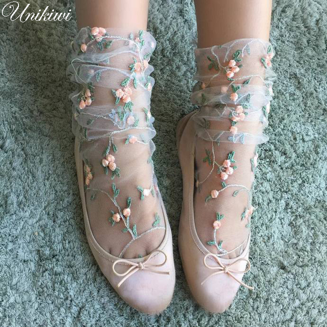 2 Colors Women's Candy Embroidery Flowers Socks