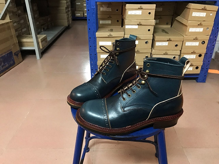 2017Handmade Mens Work Shoes Motorcycle Botas Winter Ankle Boots Martin Short Leather Tools
