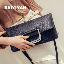 Folding Hand Clutch Female 2016 New Korean Crocodile Pattern Iron Handbag Shoulder Bag Simple Casual Messenger