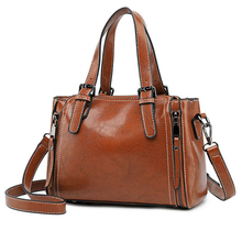 2019 Autumn And Winter New Fashion Retro Style Handbag Shoulder Diagonal Package Portable Small Bag Temperament
