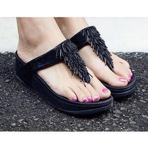 Image 4 - 2019 nova mulher chinelos feminino verão praia senhoras fora sandálias cunhas à prova de água sandálias plataforma borla b142
