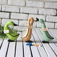 European Unique Wooden Design Duck Handwork Wooden Figurines Table Sculpture Miniatures Fashion Furniture Decor