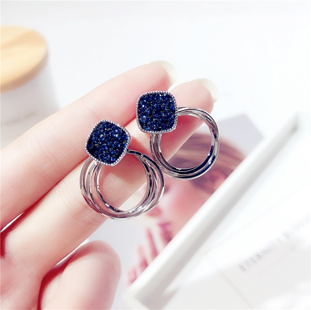 HTB1D84yaozrK1RjSspmq6AOdFXat - 2018 New Fashion Zinc Alloy Classic Round Women Dangle Earrings Korean Deep Blue Crystal Circle Jewelry For Female