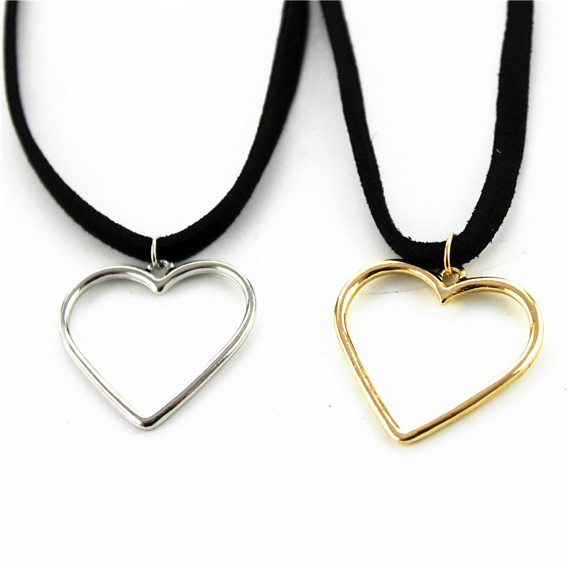 Free Shipping Fashion Accessories Peach Heart Short Section Of The Clavicle  Gold Alloy Necklace Christmas Gift Minimum Wholesale