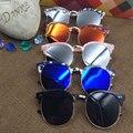 2016 Crianças Novas Da Moda Retro Dos Óculos De Sol Das Meninas Dos Meninos da Criança Sol óculos UV400 óculos de Sol Óculos de Sombra Óculos De Sol Da Marca com caso carro presente