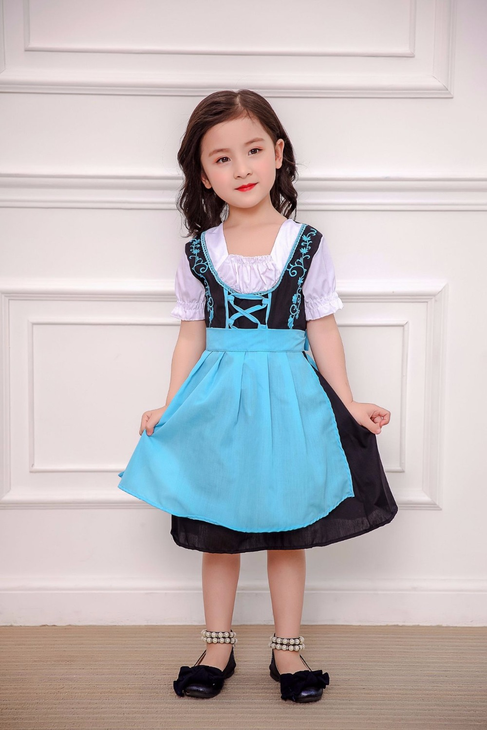 Children Oktoberfest princess Costumes German Kids Girl Heidi Costume Bavarian Dirndl Dress 1