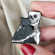 Ghost pins Black Skeleton Skull Hug แม่มดแมว wizard (China)