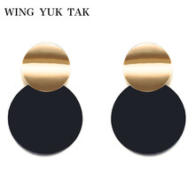 Unique Black Stud Earrings Trendy Gold Color Round Metal Statement for Women New Arrival wing yuk tak Fashion Jewelry