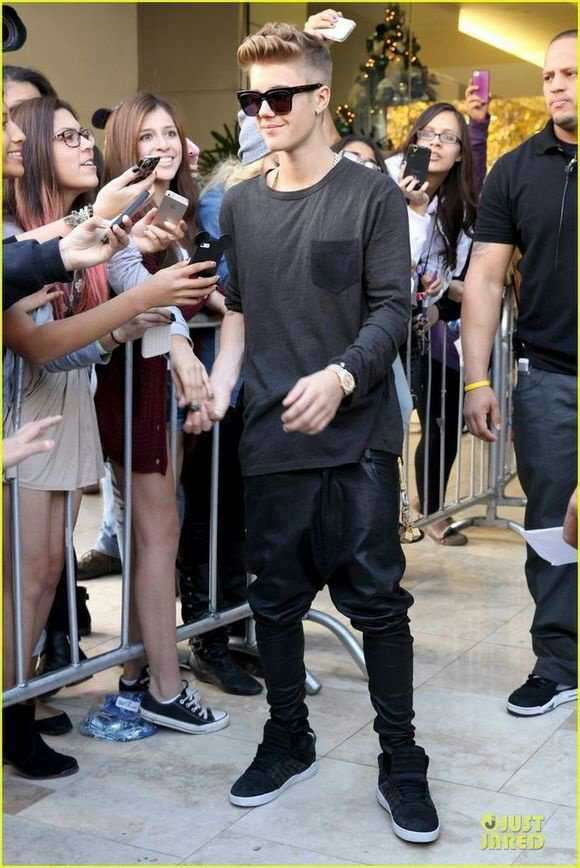 New Justin Bieber Same Style Men Tide Fashion Leather Harem Pants Squirrel Pants Cross Trousers Male Singer Stage Costumes